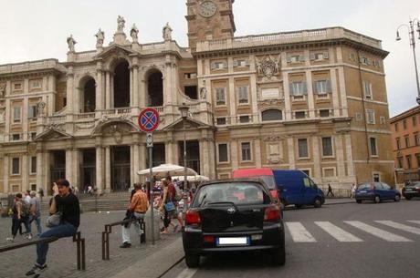 Vergogna Assoluta Auto E Camion In Sosta Davanti A Santa