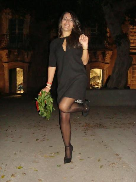 NONSOLOMODA#4: LITTLE BLACK DRESS IN SALSA ROSSO LAUREA