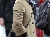 Mila Kunis paparazzata Porta Portese suoi troppo