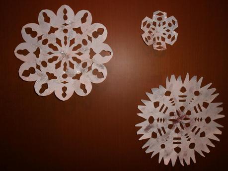 Fiocchi Di Neve Di Carta Tutorial : Fiocchi di neve di carta tutorial: fiocchi di neve di colla tutorial
