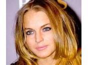 Charlie Sheen mano Lindsay Lohan pagare debiti