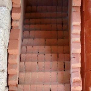 Construcci n 30 escalera de ladrillos 2 paperblog - Escaleras de ladrillo ...