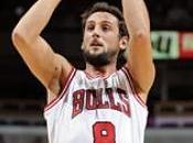 Chicago vince Belinelli protagonista, Bargnani