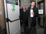 """Sallusti l'evaso. Silvio dice: """"Non avete capito nulla, alle primarie ricandido""""."""