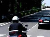 motociclista mantiene distanza sicurezza investe pedone? responsabile omicidio colposo