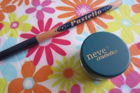 French Royalty Neve Cosmetics