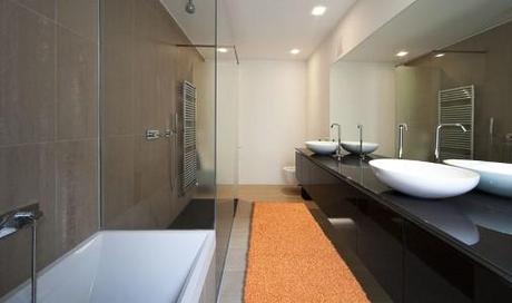 I tappeti per arredare il bagno ideale paperblog - Tappeti bagno particolari ...