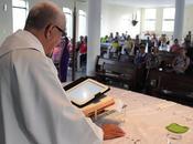 Prete cambia bibbia Ipad Brasile!