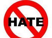 Fbi: calo crimini d'odio negli Usa, aumentano quelli contro omosessuali, nativi americani disabili
