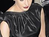 Anne Hathaway devastata dopo essere stata fotografata senza slip