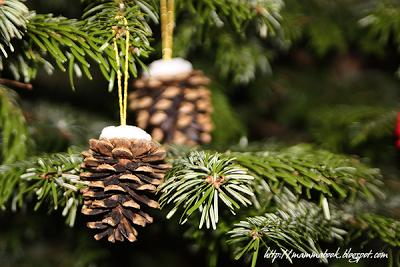 Natale decorare con le pigne paperblog - Decorazioni natalizie con le pigne ...