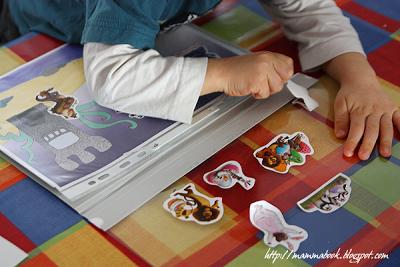 Album attacca e stacca per le figurine fai da te - DIY on and off stickers album