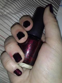 Put your hands up in the air - NOTD(N): OPI Midnight in Moscow
