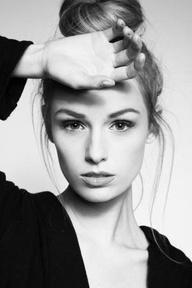La serie di bellezza rubelli affronta risposte di pacchi di faccia