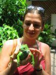 Anna con una Crested Iguana