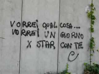 Scritte sui muri paperblog - Frasi scritte sui muri di casa ...