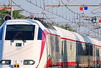 Torino porta nuova guasto alla linea elettrica treni in - Orari treni milano torino porta nuova ...