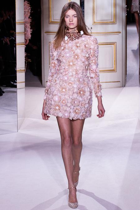 E ora #Haute Couture, con Giambattista Valli e le sue ...