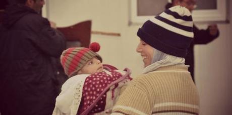 mamma e bimbo al campo profughi