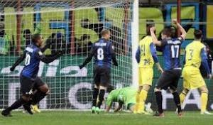 Inter ok e distanzia il Milan pesante ko della Roma