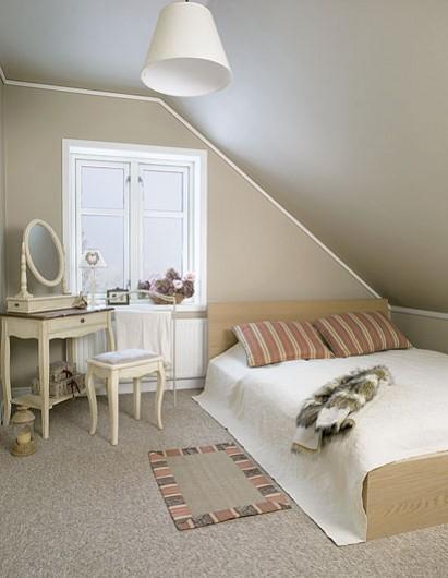 In polonia uno chalet in stile scandinavo paperblog - Camera da letto stile impero ...