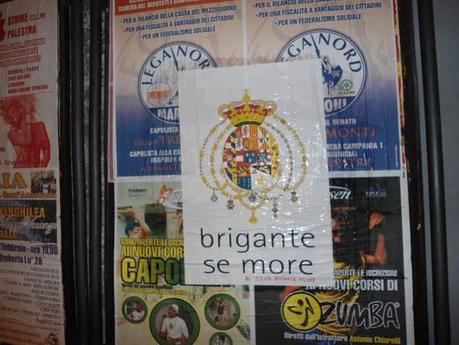 Somma Vesuviana: manifesti della lega coperti con