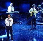 """Sanremo, grande successo di Elio e le Storie Tese con """"la canzone mononota"""""""