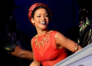 Rihanna debutta nella moda