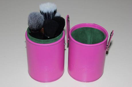 Haul e foto Neve Cosmetics Brush Holder