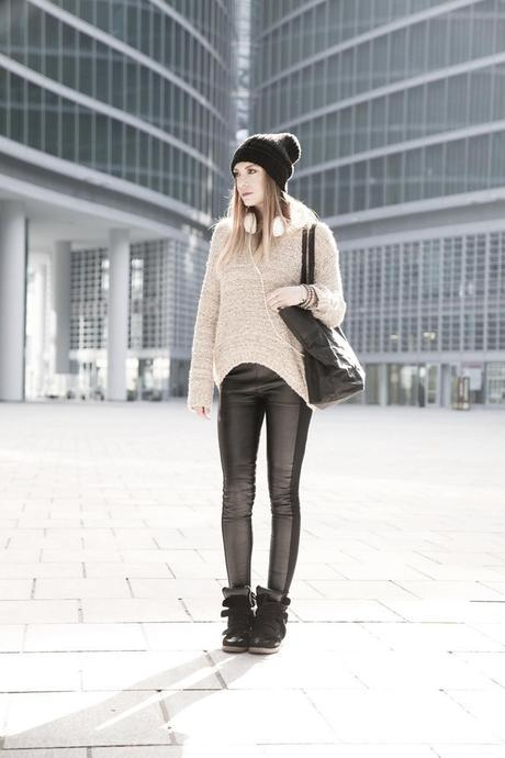 OUTFIT 1 - 2 SWEATERS