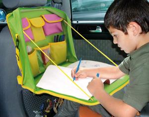 Per i bimbi ecco il tavolino da auto paperblog for Tavolino per bambino