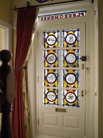 Dipingere le porte a vetro per arredare con fantasia - Colori per porte ...