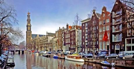 i canali di amsterdam compiono 400 anni grande festa in