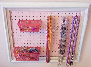 Idee creative come sistemare le collane e la vostra craft - Porta collane ikea ...