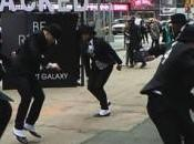 Galaxy video Samsung Flashmob Times Square
