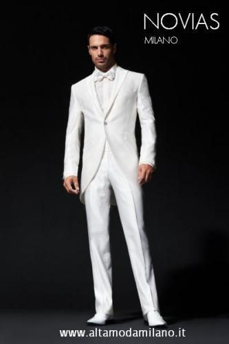 Vestito Matrimonio Uomo Bianco : Le nuove collezioni di abiti da sposo milano novias