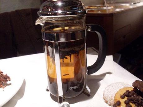 """Cioccolata e tè """"al Rintocco"""" della golosità"""