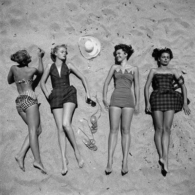 Legata ad un granello di sabbia storia del costume da - Donne senza costume da bagno ...