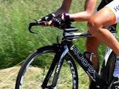 """Tamanini appende bici chiodo, """"Grazie ciclismo alla bici"""""""