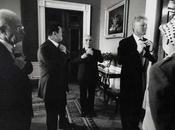 Storia foto: potenti della Terra alle prese cravatte