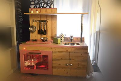 Come costruire una cucina per bambini di legno paperblog - Cucine fai da te in legno ...