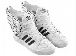 premium selection 53634 dcb4d adidas con le ali