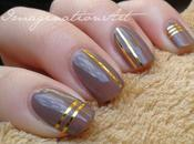 Nail Art: Golden Stripes