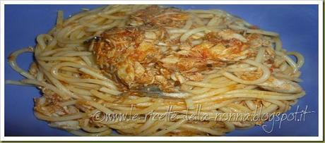 Spaghetti con ragù di sgombro (6)