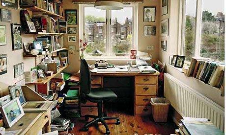 Questa non è la mia stanza: è quella di Margaret Forster. Però è esattamente il tipo di writing room che vorrei. [FONTE: The Guardian]