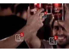 Budweiser: bicchieri connettono Facebook