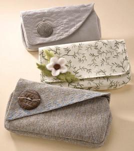 Clutch pochette e envelope bag paperblog for Scatole rivestite in stoffa tutorial