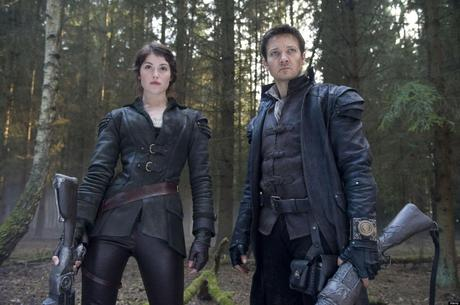 HANSEL AND GRETLE: WITCHHUNTERS (2013) GEMMA ARTERTON, JEREMY RENNER, TOMMY WIRKOLA (DIR) 001 MOVIESTORE COLLECTION LTD