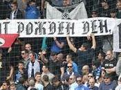 FOLLIE E... Svastiche curva Levski Sofia, tifosi festeggiavano compleanno Hitler