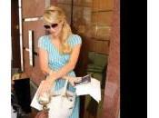 Paris Hilton l'elemosina negozio l'altro